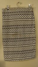H&M Black And White Pattern Pencil Skirt - Women's Size US S