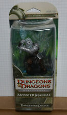 Dungeons & Dragons Dangerous Delves Giant Miniatures Booster Box