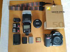 Cámara Nikon D700 con sólo 10500 disparos y objetivo Nikon AF-S 50mm f/1.8 G.
