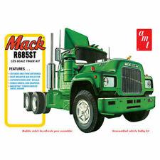 AMT Mack R685ST Semi Truck Kit - Green