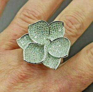 grande anello a fiore argento con cristalli trasparenti  designer cocktail ring