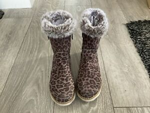 Next Beige Animal Print Bootie Slippers Faux Fur Lining Size 4  Side Zip GC