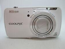 Nikon Coolpix S800C 16MP White Compact Camera