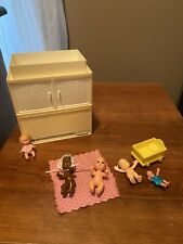 barbie baby krissy dolls w/ changing table tub vintage