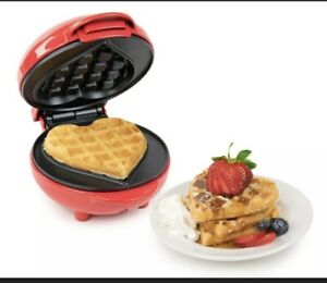 NOSTALGIA MY MINI HEART WAFFLE MAKER ELECTRIC 5 INCH Red NEW IN BoX