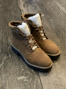 Time and Tru Women's Faux Fur tongue Hiker Boots Tan Round toe Size 8.5