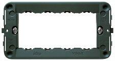 VIMAR 16714  -  Supporto 4 moduli, con viti, per scatole 4 moduli, grigio