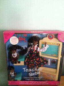 Teacher AA Barbie Doll & 2 AA students dolls Set #13915 Mattel1995 NIB