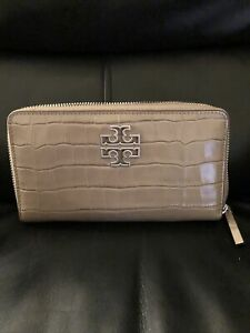 NWT Tory Burch Britten croc zip continental leather wallet.$239.Sold out