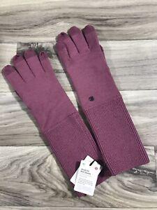 Lululemon Scroll On Knit Gloves, Sz M/L, MYMT Misty Merlot, Merino Wool