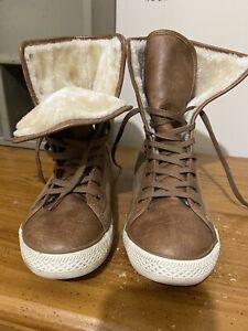 Arizona boots Tennis shoe style Mid Calf SZ 9.5