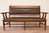 divano liberty legno noce cuoio pelle goffrata floreale antico vintage XIX sec