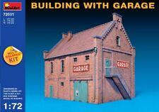 Building With Garage 1:72 Plastic Model Kit MINIART
