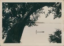 Indochine, Pirogue descendant le Mékong, ca.1915, Vintage silver print vintage s