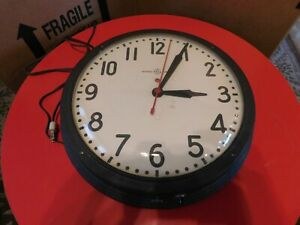 """Vintage General Electric Wall Clock 15"""" Bubble Glass Old School Works 1H1412"""