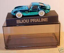 NEUF PIN'S BIJOU PRALINE HO 1/87 FERRARI GTO BLEU METAL IN BOX NEUF