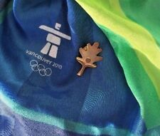2010 Winter Olympic Vancouver Commemorative Memorabilia Scarf & Gold Tone Pin T1