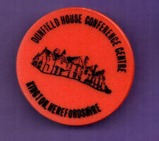 Dunfield House Conference Centre - Herts -   Plastic Badge 1980's