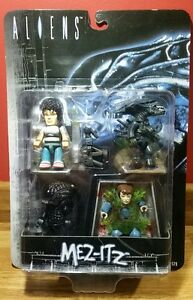 Aliens Mez-Itz Mini Action Figure Set Ripley Xenomorph Warrior Alien Queen