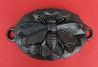 Vintage Cast Iron bee pan - Bee mold baking pan    (# 13844)
