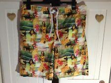 Great Men's Shorts / Trunks Size L