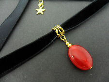 A LADIES 10MM BLACK VELVET & GOLD  OVAL RED JADE  BEAD CHOKER NECKLACE . NEW.