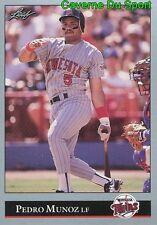 053   PEDRO MUNOZ    MINNESOTA TWINS  BASEBALL CARD LEAF 1992