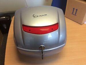 Vespa LX Top Box New 67394900F2 32lt Silver