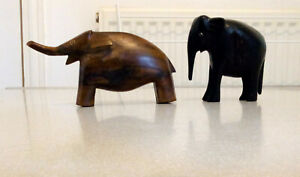 PAIR (2) OF VINTAGE HAND CARVED WOODEN ELEPHANT FIGURES ORNAMENT COLLECTABLES