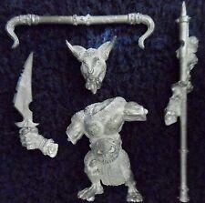 1999 caos Beastman Minotaur abanderado Citadel Warhammer Bestias beastmen