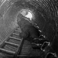 American Actor Art Carney Climbs Down A Manhole 1955 OLD PHOTO