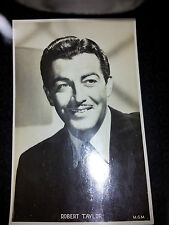 Vintage POSTCARD - Robert Taylor movie actor
