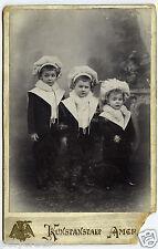 Photo ancienne cdv cabinet portrait 3 enfants avec toque  an. 1920