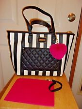 New Betsey Johnson Tote with wristlet & Pink Heart Floral  lining BM19385 $118