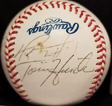 2001 Minnesota Twins Team Signed Ball DAVID ORTIZ JOHAN SANTANA TORII HUNTER