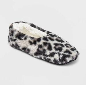 Slipper Socks S/M Black & White Faux Fur Cozy Pull On Socks