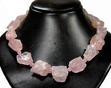 Wunderschöne Edelsteinkette aus Rosenquarz Rohsteinen in Form von großen Nuggets