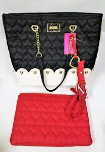 BETSEY JOHNSON WHITE+BLACK HEART QUILTED BAG,TOTE+RED WRISTLET,TASSEL,GOLD CHAIN