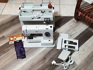 PFAFF 1222 Sewing Machine With IDT - German Made - Beautiful!!