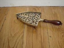 Vittoriano Trivit/supporto in ottone con manico di legno tornito e ferro da stiro