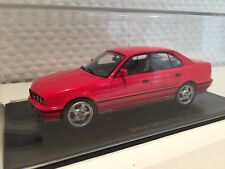BMW m5 e34 rouge 1:43 Neo NOUVEAU & OVP 43314