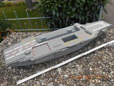 Schiff Bootsrumpf Flugzeugträger Kunststoff ca. 75 cm lang evtl. Umbau auf RC??