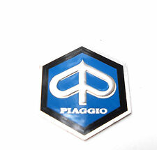 Vespa V50 50 Special PV ET3 PX Kaskade Rahmen Piaggio Emblem klein 6 eck NEU