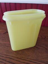 Vintage Tupperware 1qt Store-N-Pour Fridge Pitcher #792-9 -no lid - free ship!