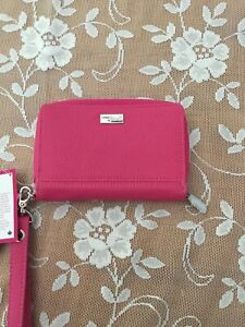 Thirty One Jewel wristlet New with Tags-Pink
