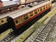 R928 Hornby Blood / Custard Br Mk1 Composite 00 OO Gauge Scale Model Railway