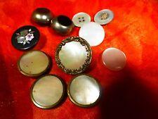 tres anciens=== boutons  nacrés  11piéces variées ....2,5cm+2cm