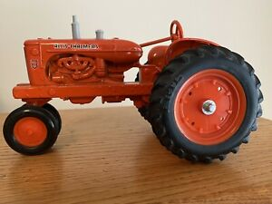 ALLIS CHALMERS WD 45 TRACTOR 1:16 SCALE DIE CAST MADE IN USA ERTL