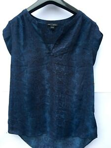 Hilary Radley At Costco Ladies Top Size SMALL NEW