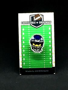 Seattle Seahawks Russell Wilson lapel pin-Classic 12th fan Collectible-HAWK Yeah